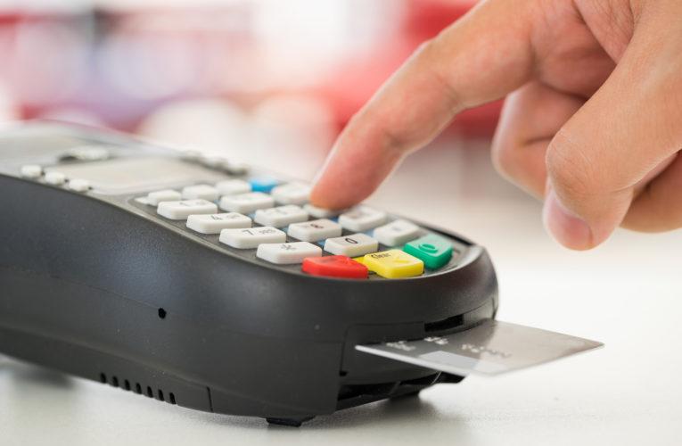 5 coisas que você precisa saber antes de comprar uma maquina de cartão.