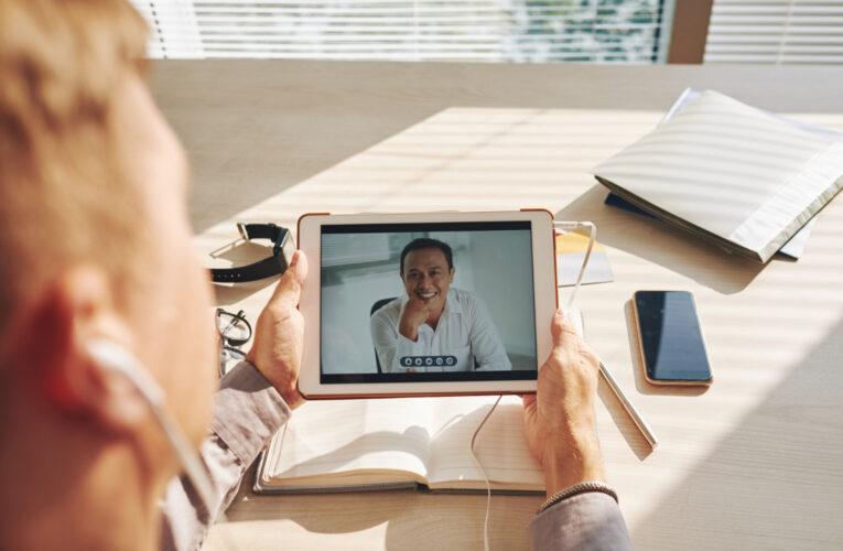 Inclusão: entenda a importância de legendar seus vídeos